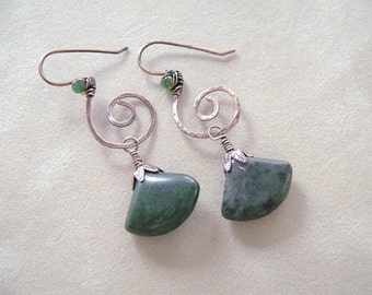 Copper Swirl Earrings, Green Marble Fan, Hammered Copper, one of a kind, Wire Wrapped, Copper Wire Jewelry, Oxidized Copper, Handmade, 1013