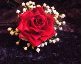 Red rose with white Gypsophilia flower, hair clip Vintage Rockabilly Pin-up Burlesque style