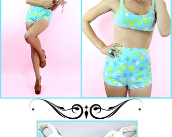 Vintage Two Piece Swimsuit Floral 60s Bathingsuit Bikini // TatiTati Style on Etsy