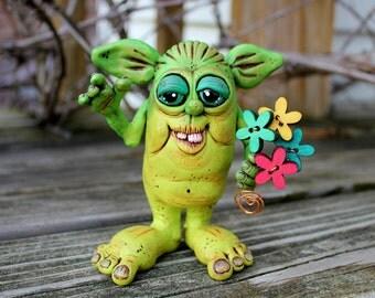 Green Wildflower Bouquet Imp Sculpture