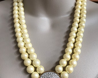 Avon Presidents Recognition Pearlesque and Rhinestone Necklace Vintage Jewelry