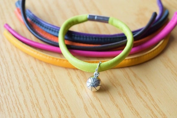 Basket bracelet,sports bracelet,basket cuff,basket bead,basketball,leather bracelet,mens bracelet,basketball player,sports jewelry