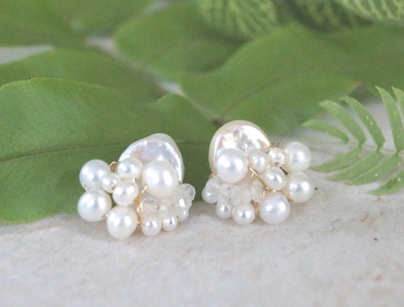 Freshwater pearl earrings - asymmetrical earrings - pearl bijoux - wire wrapped jewelry