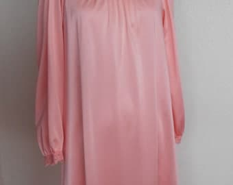 Olga Vintage Nightgown Peach Secret Hug Long Sleeve Size Small 8631