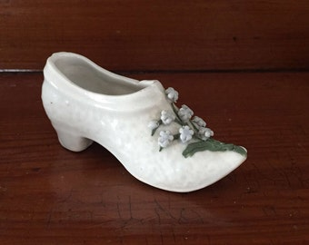 Milk glass slipper miniature forget-me-nots Vintage