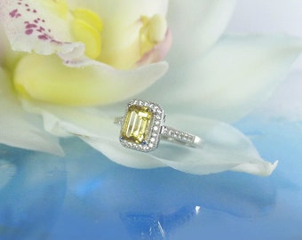 Beryl Ring, Golden Beryl, Yellow Beryl Ring, Yellow Gemstone Ring, Heliodor Ring, Diamond Alternative, Canary Yellow Ring, Emerald Cut Ring
