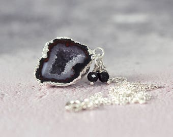 Black Geode Necklace - Black Stone Necklace - Jewellery For Her - Gemstone and Diamond Necklace - Silver Necklace For Women
