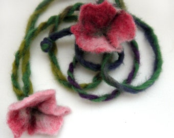 Felt flower necklace, available after order!