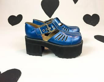 90s John Fluevog Platform Mary Jane Chunky Heeled Metallic Blue Leather Shoes / Mega Platforms / Size 10 / 10.5 / Club Kid / Rave / Flatform
