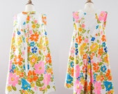 1960s Floral Mod Mini-Dress // 60s Psychedelic Groovy Dress- 50% OFF Coupon Code: CLEAROUT