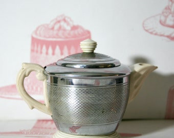 Retro Balmoral Teapot: Art Deco Style