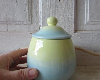 Sweetest pot/ bowl with lid in pastel colors