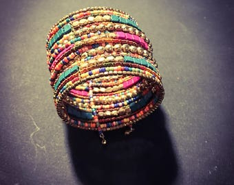Beautiful women vintage multicolor beaded cuff, great summer piece
