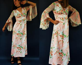 1970s Spring Marbled Floral Bell Sleeve Dress / Gown