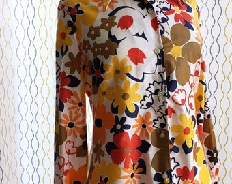 Vintage 60s floral cotton shirt/ earthy reds yellows browns oranges/ White Stag