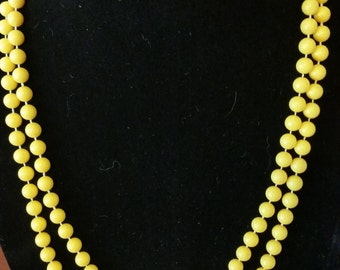 60s Long Yellow Beaded Necklace
