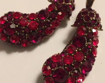 Pair Vintage Red Rhinestone EGGPLANT BROOCHES ~ Scatter Pins ~ Very Nice