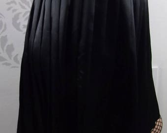 VINTAGE PLEATED SKIRT 1980's Black Wyndham Collections Size Small
