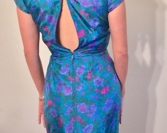 Early 60s silk wiggle dress / pin tuck bodice / fine detailing / Mad Men 1960s/ extra small