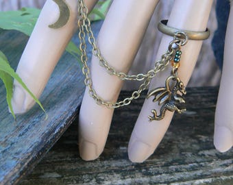 dragon ring, double rings, statement ring, chained ring, slave ring,fantasy ring, cosplay, green, medieval ,Renaissance,festivals