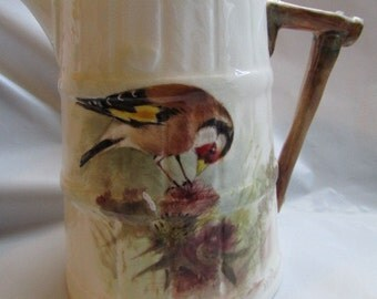 ROYAL WORCHESTER JUG 1941 Hand Painted Signed Goldfinch by W Powell bone china 4b-700