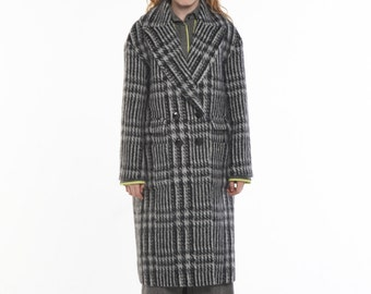 Limited Edition_Alpaca Loose Fit Double-Breasted Coat_CHECK