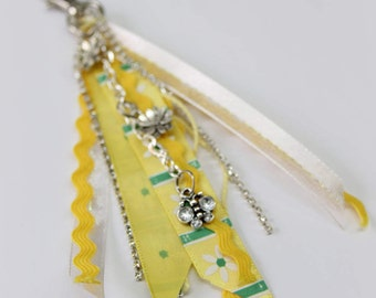 Keychain,bag,flower,butterfly,yellow,white,green, Paradis des Bijoux