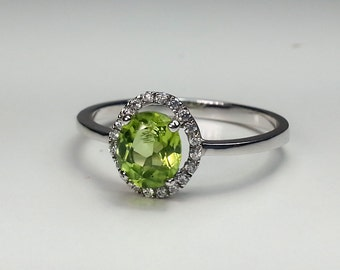 Natural Peridot Sterling Silver Ring .89 ct.  Size 8
