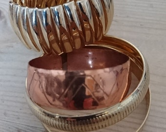 Lot of four vintage bangles