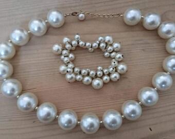 Vintage Pearl necklace with a bracelet