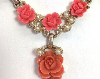 Roses Pearls Necklace Bib Necklace Faux Pearls Thermoset Peach Roses 1950s Jewelry
