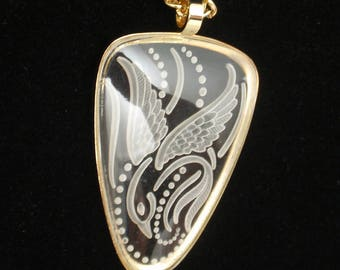 Carved Glass Bird Pendant Necklace Sarah Coventry