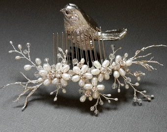Bridal hair comb Crystal hair comb Bridal comb Pearl hair comb Wedding Hair piece Bridal headpiece Wedding hair accessories Wedding comb