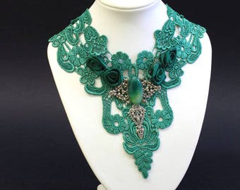 Green Lace Gothic choker - lace applique necklace, satin roses, green agate, silver plated elements - Victorian Gothic Jewelry