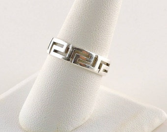 Size 8.5 Sterling Silver Filigree Band Ring