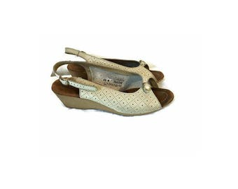 Vintage Cream WEDGE sandals 1970s peep toe shoes slingback sandal HIPPIE BOHO wedge heels womens size 10