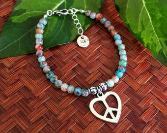 Peace & Love bracelet - Multicolour beaded bracelet with love and peace charm