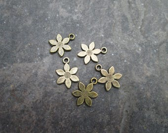 Bronze Daisy Flower charms package of 5 double sided three dimensional flower charms perfect for adjustable bangle bracelets