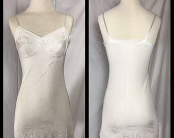 1950s or 60s Glorowin White Mini Length Slip - Youth Size 12 Bust 34