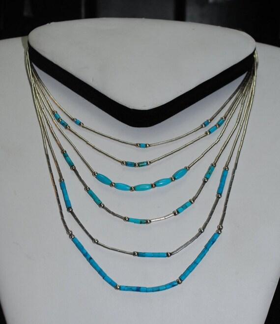 Turquoise necklace - short necklace - woman necklace - vintage jewelry - discrete necklace - summer necklace
