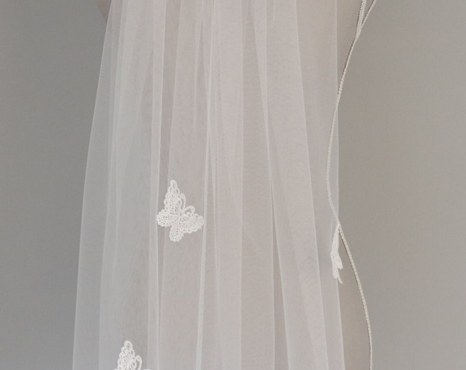 Ivory Fingertip Butterfly Wedding Veil