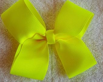 Medium hair bow