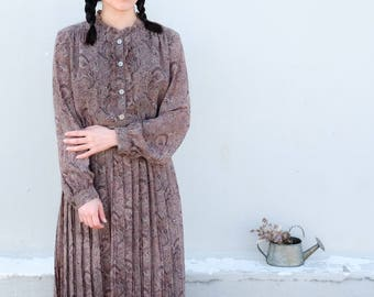 Brown paisley dress with purple and maroon tones / Japanese vintage blouse / Ethnic prints / Florals / Ruffled / Boho / Retro / Size M