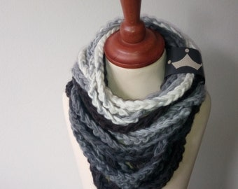 Infinity knitted spaghetti scarf, Knit scarf, Claire knit scarf, tube scarf, chunky cowl, circle scarf