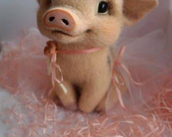 "Wool Pig ""Valenka"""