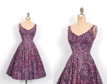 Vintage 1950s Dress / 50s Novelty Print Cotton Dress / Full Skirt ( XS extra small )