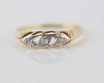 Diamond and Palladium Art Deco Yellow Gold Metal Ring Stamped on the Inner 18ct UK Size P US 7.75