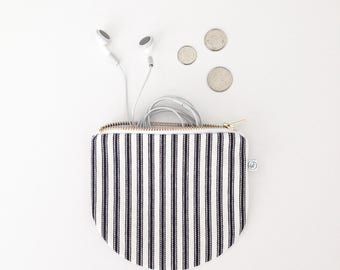 "STRIPED COIN PURSE / black and white cotton / 5"" x 5.5"" / zip gold / handmade in quebec / la petite boite"
