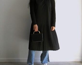 Vintage 90s Black Sleeveless Pleated Drop Waist Midi Dress / Minimalist / Modern (Medium-XXLarge)