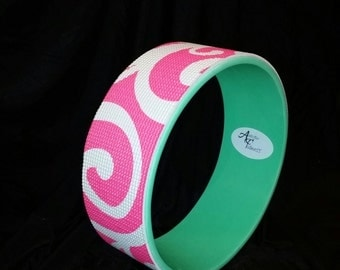 FREE Shipping!!! Yoga Wheel Green/Pink